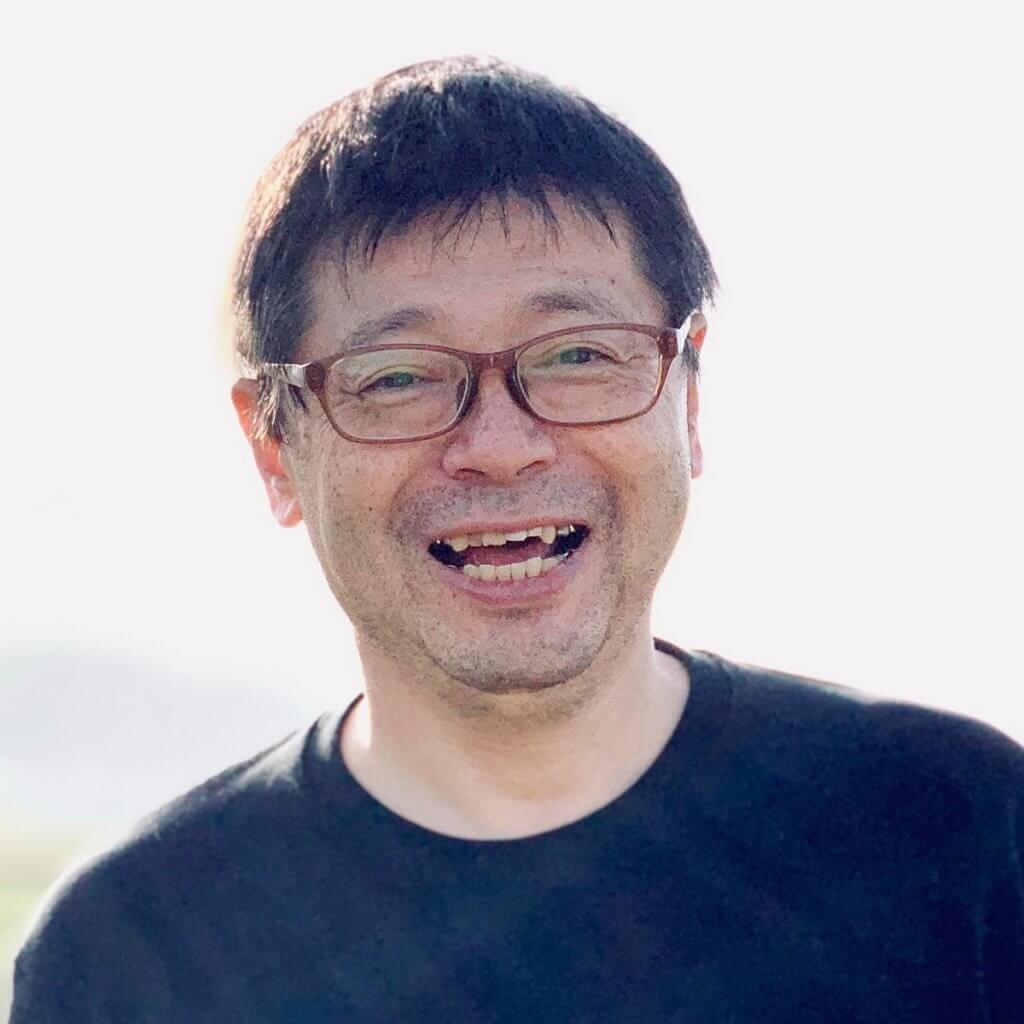 笑顔の井上氏